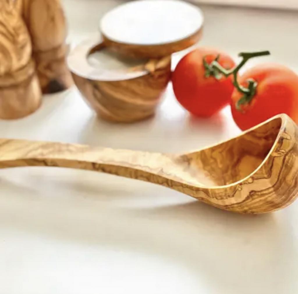 Mestolo in legno di olivo